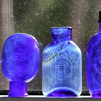 ~~~~Cobalt Blue Pill Bottles~~~~ - Bottles