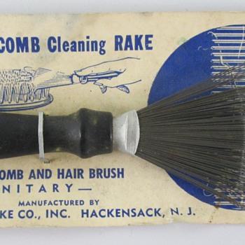 Brush & Comb Cleaning Rake - Accessories