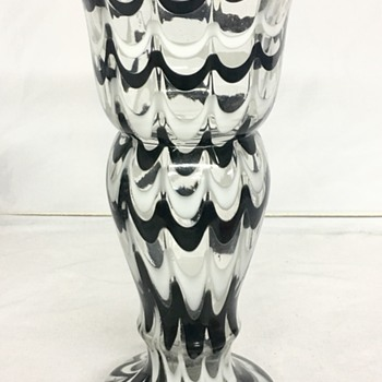 A drape pattern - an anomoly A - E - Art Glass