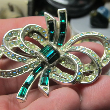 jewelry brooch help - Costume Jewelry