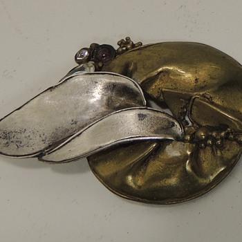 Women's Pin/Brooch Sterling & Brass