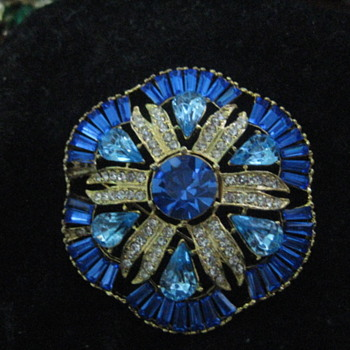 Esinberg Ice Brooch -maybe ?????? - Costume Jewelry