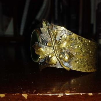 Dino Dineli Cuff Bracelet ? - Costume Jewelry