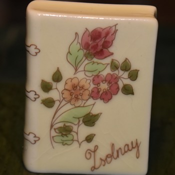 Little Porcelain Book - Zsolnay - Pottery