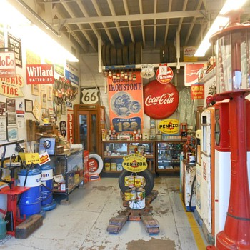 Pete's Gas Station Museum Williams AZ Route 66 - Petroliana