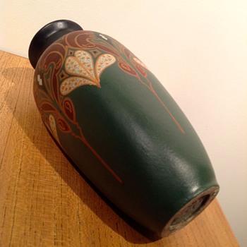 PLATEELBAKKERIJ DE DISTEL - c. 1910? - Pottery