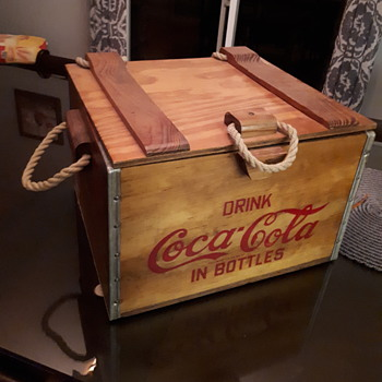 Coca cola wooden cooler. - Coca-Cola