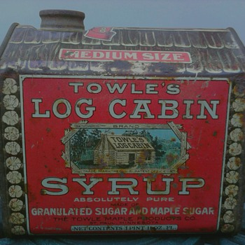 Towle's Log Cabin Syrup Tin Copyrighted 1914 - Advertising