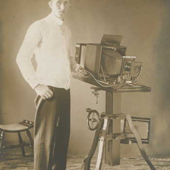Vintage early 20th Century Camera  - Cameras
