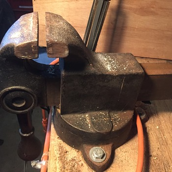 Old, heavy, iron, ratchet-lever vice.   - Tools and Hardware