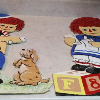 RAGGEDY ANN AND ANDY  SIGNS - Signs