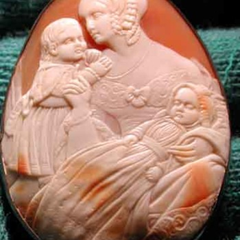 Fabulous cameo of Victorian mom with children - Victorian Era