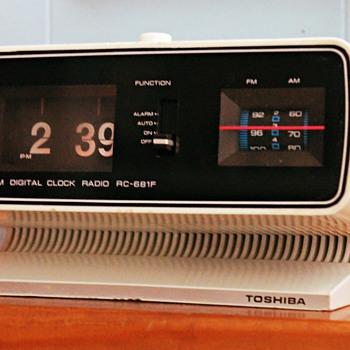 1970s Toshiba RC 681F Flip Clock Radio - Clocks