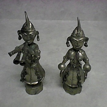 TWO METAL FIGURINES - Asian