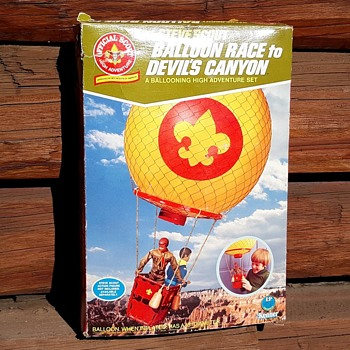 Kenner Steve Scout Balloon Race to Devil's Canyon Over a Shark - Sporting Goods