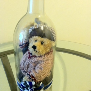 OLD TEADY BEAR IN A LARGE BOTTLE IN GOLF CLOTHES AND EQUIPMENT  - Dolls