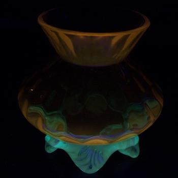 English Art Glass Honey Comb Posy Vase Glows Orange! - Art Glass