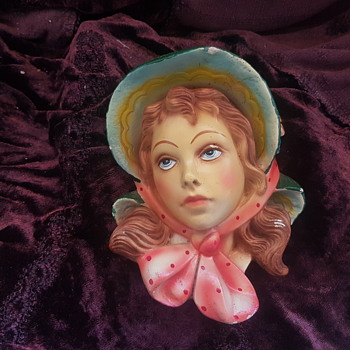 Lady's head wall plaque - Pottery