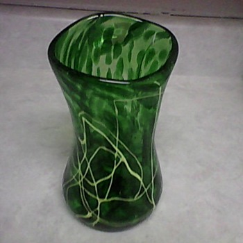 GREEN ART GLASS VASE - Art Glass