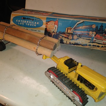 Hubley Caterpillar Log Truck - Model Cars