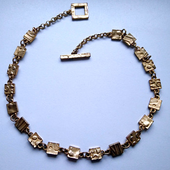 Vintage necklace by the French designer Biche de Bere - Costume Jewelry