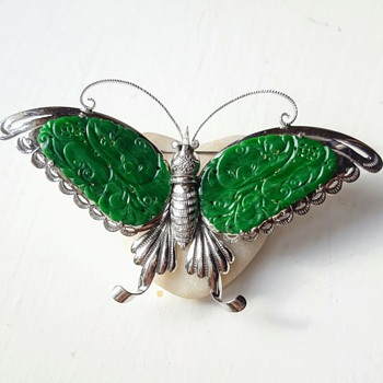 Big NOT OLD Chinese jadeite, Chinese marked platinum butterfly brooch. - Fine Jewelry