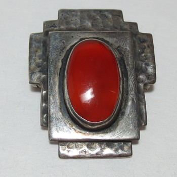 Arts and Crafts / Art Deco Hammered Silver and Cabochon Carnelian Brooch