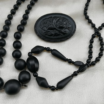 Black glass jewelry  - Costume Jewelry