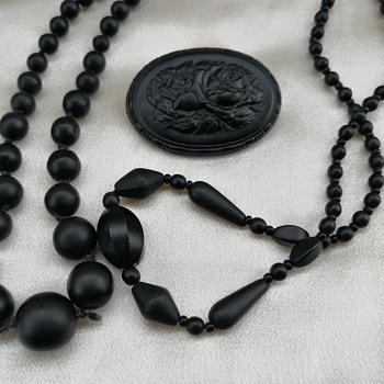 Black glass jewelry  - Costume Jewelry