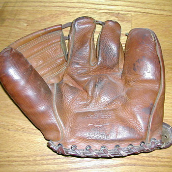 Three finger base ball glove - Baseball