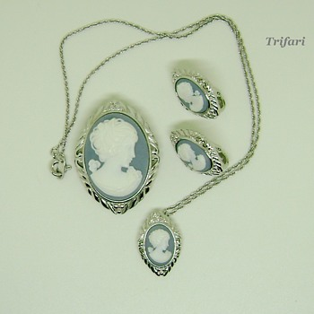 Trifari Cameo brooch set - Costume Jewelry