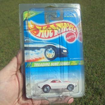 1995 Treasure Hunt Camaro - Model Cars