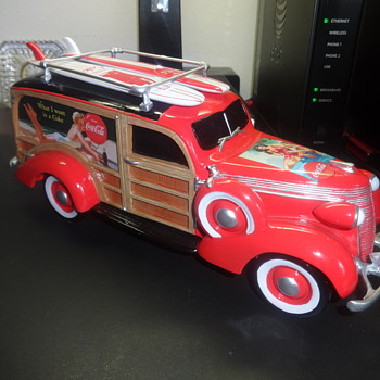 a classic 1937 studebaker woody wagon  coca-cola collcction - Model Cars