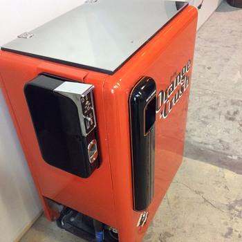 Classic orange crush machine - Advertising