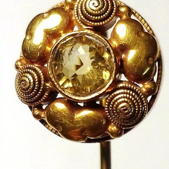 Arts and Crafts mystery mark gold stickpin. - Fine Jewelry