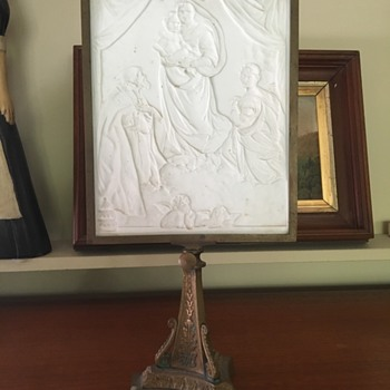 Bas relief panel on stand - Art Glass