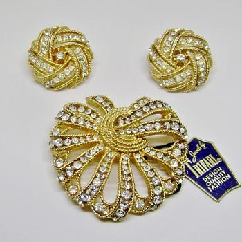 Trifari Cavalcade - Costume Jewelry