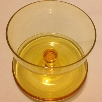 Amber uranium crystal glass