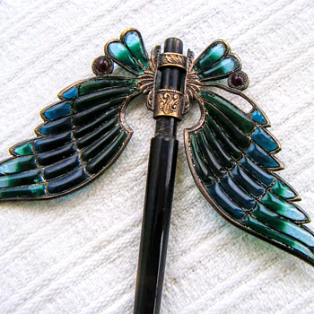 Art nouveau domed plique à jour wings hair ornament. Part 1. - Fine Jewelry