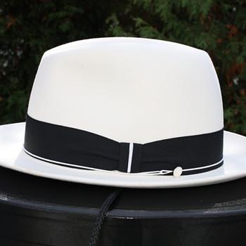 Optimo 1000. Porcelain White. - Hats