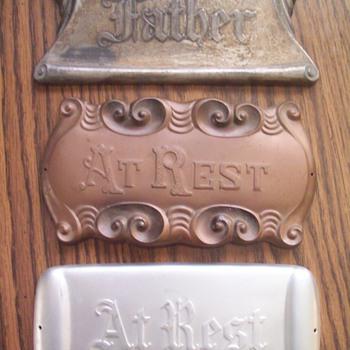 Casket plaques - Signs