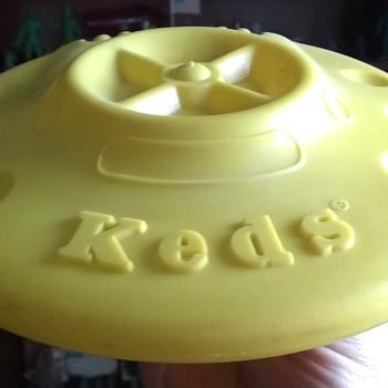 Keds Flying Saucer!  - Advertising