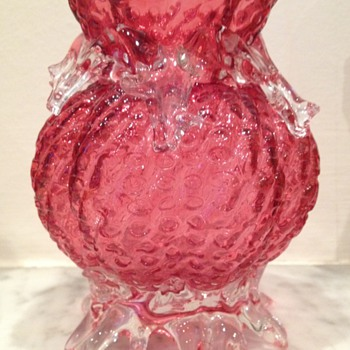 Interesting unidentified cranberry lobed ribbed glass vase with thorn teardrops - Art Glass
