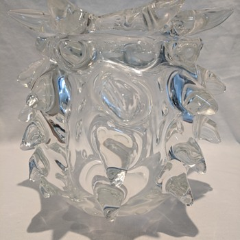 Unidentified rostri vase - Art Glass