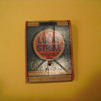 Lucky Strike throw away razor - Tobacciana