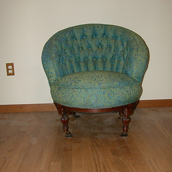 OLD CHAIR VICTORIAN? - Furniture