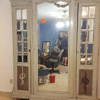 Antique armoire/wardrobe - Furniture
