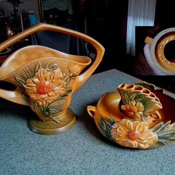 "Salvation Army ""Roseville"" Haul / ""Peony"" Basket #379-12 & Console Bowl #429-8 With Flower Arranger #47/Circa 1942 - Pottery"