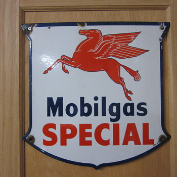 1946 Mobilgas Pump Sign  - Petroliana
