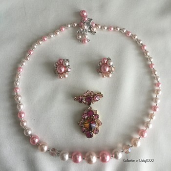 Marching Home From World War II — The Pinking Craze ... Necklace, Earrings - Costume Jewelry